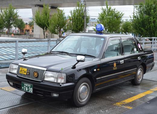 タクシー小型(黒)
