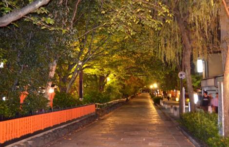 風情豊かな夜の祇園